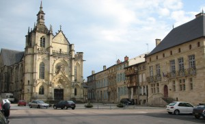 Bar-le-Duc_Place_Saint-Pierre